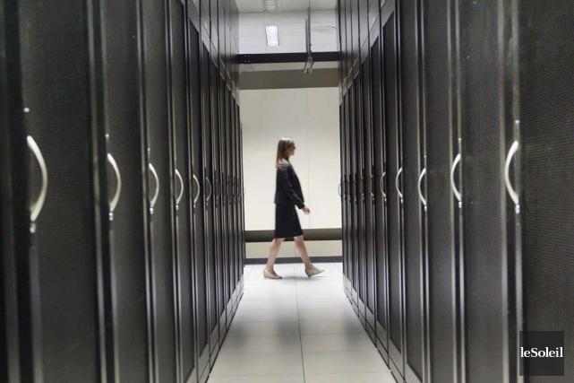 Une salle de serveurs informatiques... (Photo Le Soleil, Jean-Marie Villeneuve)