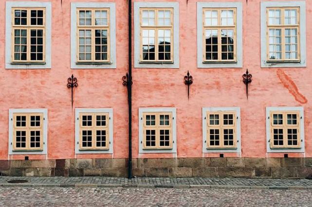 Félicitations à@une_olive, dont la façade rose d'un édifice... (@une_olive)