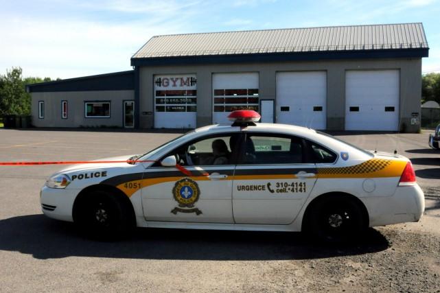 Les policiers de l'Escouade régionale mixte de la... (Photo collaboration spéciale Éric Beaupré)