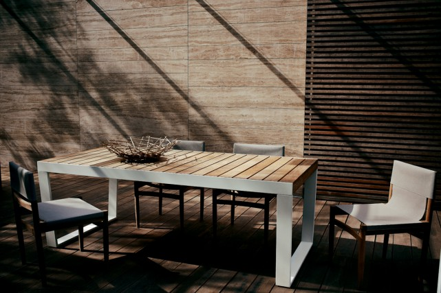 Spinna, une table design et extensible en teck... (Photo fournie par Jardin de Ville)
