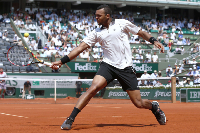 Jo-Wilfried Tsonga... (Photo Patrick Kovarik, AFP)