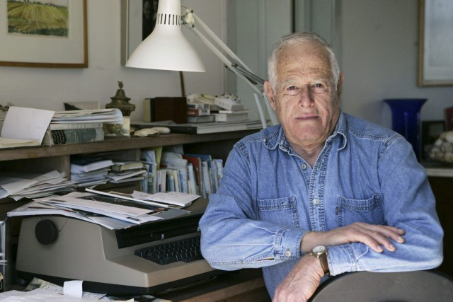 James Salter en 2005.... (Photo Ed Betz, Archives AP)