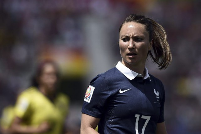 L'attaquante française Gaëtane Thiney sait que son équipe... (PHOTO FRANCK FIFE, AFP)