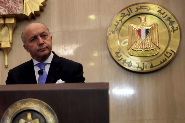 Laurent Fabius, qui était au Caire samedi, doit... (PHOTO AMR ABDALLAH DALSH, REUTERS)
