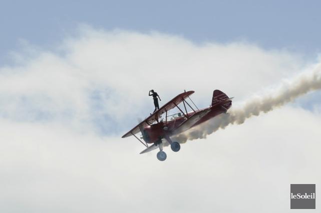 La marcheuse sur les ailes Carol Pilon faisait... (Photothèque Le Soleil)