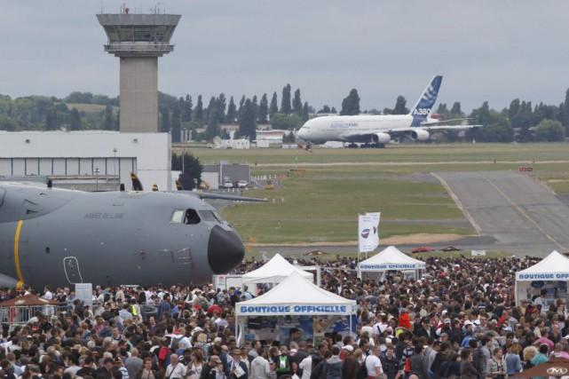 Le plus grand rendez-vous aérospatial au monde a... (Photo Michel Euler, AP)