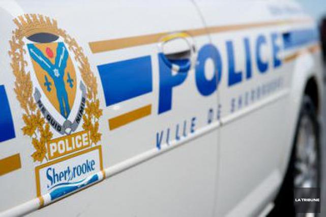 Une trentaine de motards ont été arrêtés samedi en fin d'après-midi par le... (Archives La Tribune, Jessica Garneau)