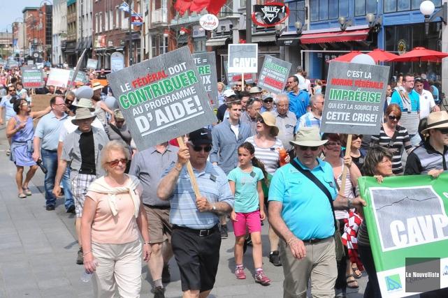 Une marche de solidarité en faveur des victimes... (Photo: Émilie O'Connor, Le Nouvelliste)