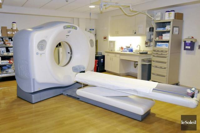 Comme chaque examen de tomodensitométrie coûte près de... (Photothèque Le Soleil)