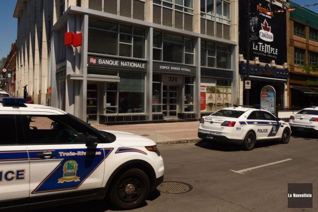 Un homme a été arrêté devant la Banque... (Photo: François Gervais, Le Nouvelliste)