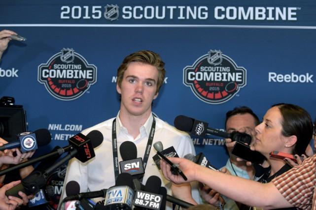 Les Oilers choisiront au premier échelon cette année,... (PHOTO AP)