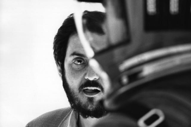 Stanley Kubrick au milieu des années 60, pendant... (WARNER BROS.)