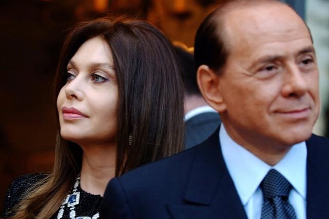 Silvio Berlusconi et Veronica Lario (ci-dessus, photographiés en... (PHOTO SUSAN WALSH, ARCHIVES AP)