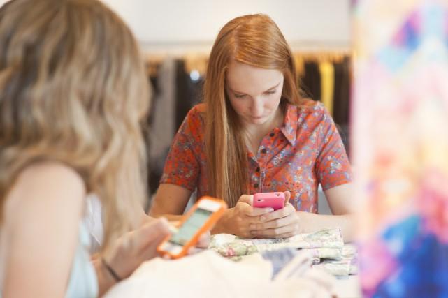 Chez les filles, les sujets d'intimidation sont souvent... (Photo Digital/Thinkstock)