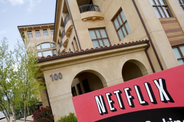 Le service américain de vidéo en ligne Netflix a annoncé mardi une division de... (PHOTO ARCHIVES AFP)