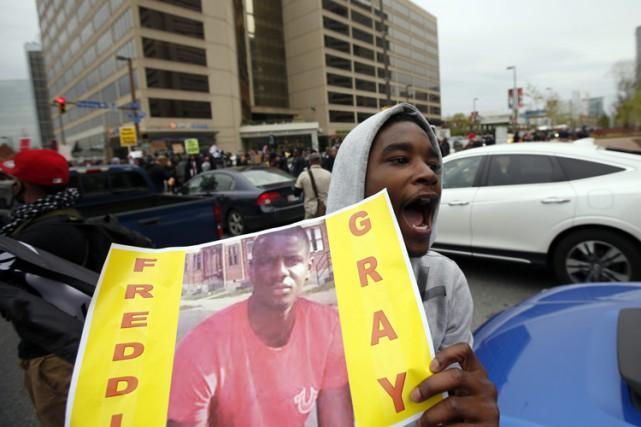 La mort du jeune homme avait déclenchée à... (PHOTO AP)
