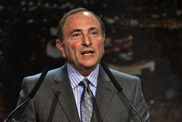 Le circuit du commissaire Gary Bettman pourrait transformer... (L.E. Baskow, AP)