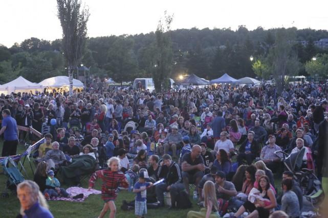 Entre 12 000 et 15 000 festivaliers ont... (photo Catherine Trudeau)