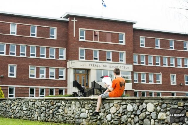 Bien que l'École secondaire de Bromptonville ne soit plus la propriété des... (Imacom, Jessica Garneau)