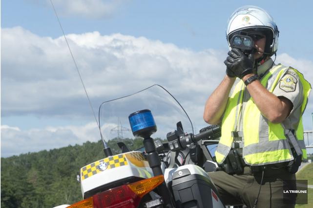 Un jeune homme de 19 ans a récemment été arrêté pour grand excès de vitesse... (Archives La Tribune)