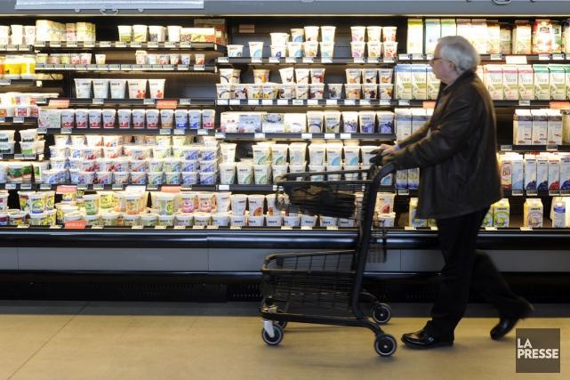 Les prix des aliments ont augmenté de 4... (PHOTO BERNARD BRAULT, ARCHIVES LA PRESSE)