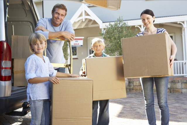 Selon certaines personnes, le déménagement est le sport... (Shutterstock, Monkey Business images)