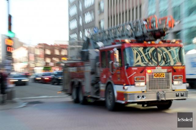 Cette victoire du syndicat des pompiers tombe alors... (Photothèque Le Soleil, Erick Labbé)