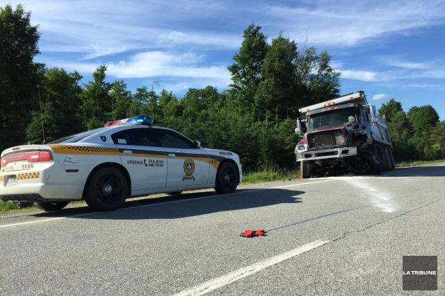 Un violent accident survenu peu après 14h, jeudi après-midi, sur la route 112,... (Imacom, Julien Chamberland)