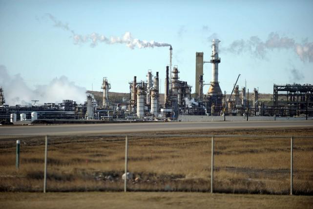 L'Alberta émet chaque année dans l'atmosphère environ 267... (PHOTO CLÉMENT SABOURIN, ARCHIVES AFP)