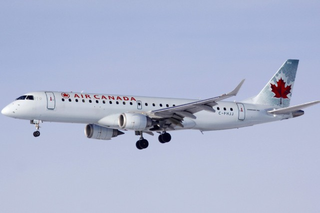 Un Embraer 190 semblable à celui impliqué dans... (Photo archives Reuters)