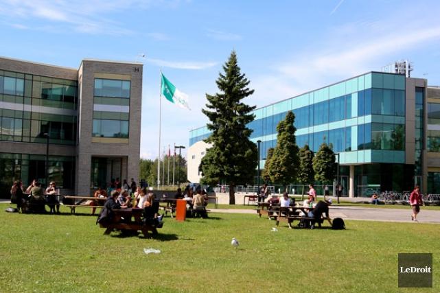 La Cité fait son mea culpa. Le collège francophone d'Ottawa admet avoir fait... (PATRICK WOODBURY, LeDroit)