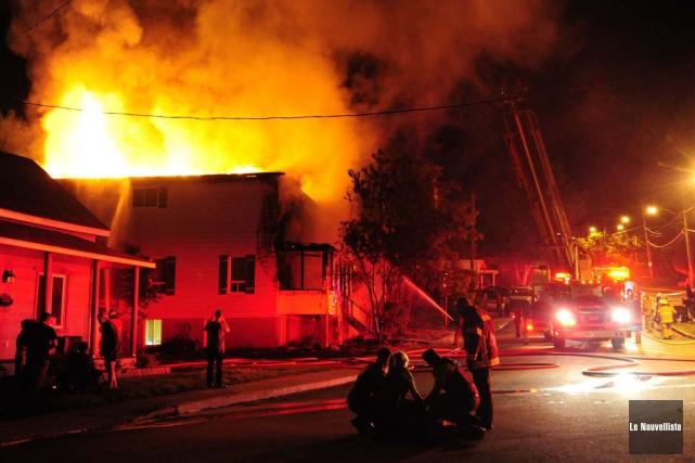 Un immeuble à logements a été ravagé par... (Photo: Le Nouvelliste)