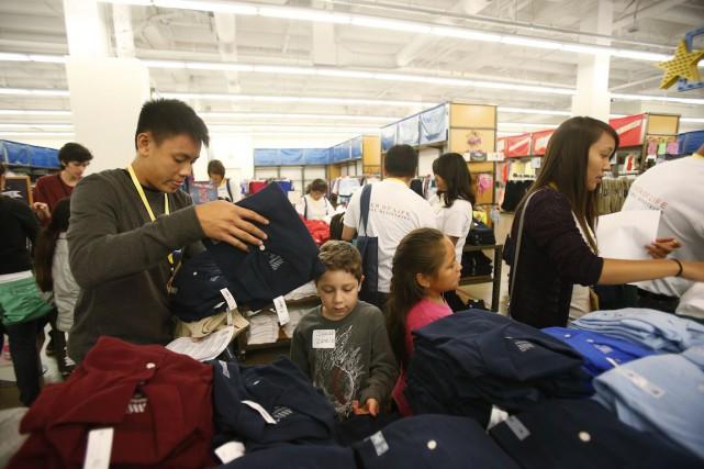 Le moral des ménages aux États-Unis est reparti à la hausse en décembre, selon... (PHOTO STEPHEN LAM, ARCHIVES REUTERS)