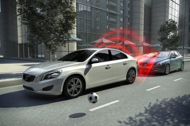 Toutes les nouvelles Volvo sont équipées du système... (PHOTO FOURNIE PAR VOLVO)