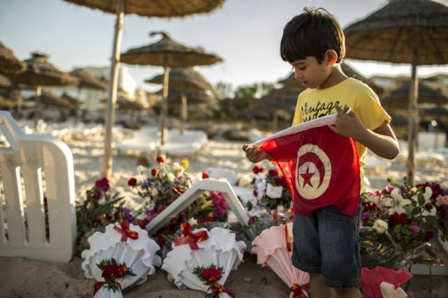 Au lendemain d'un attentat sanglant perpétré dans une... (Photo ZOHRA BENSEMRA, Reuters)