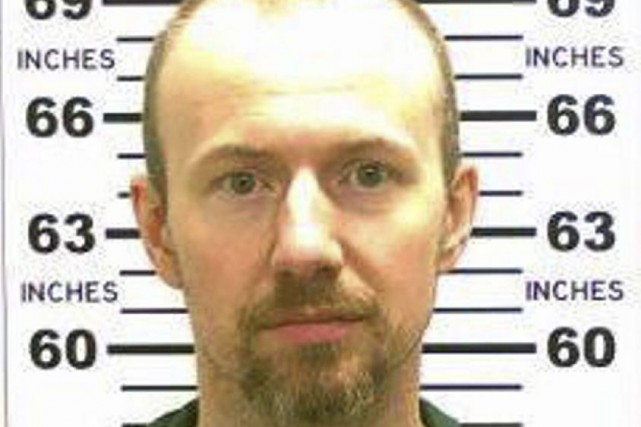 La police recherche toujours David Sweat, 35 ans,... (Photo New York Police Department)