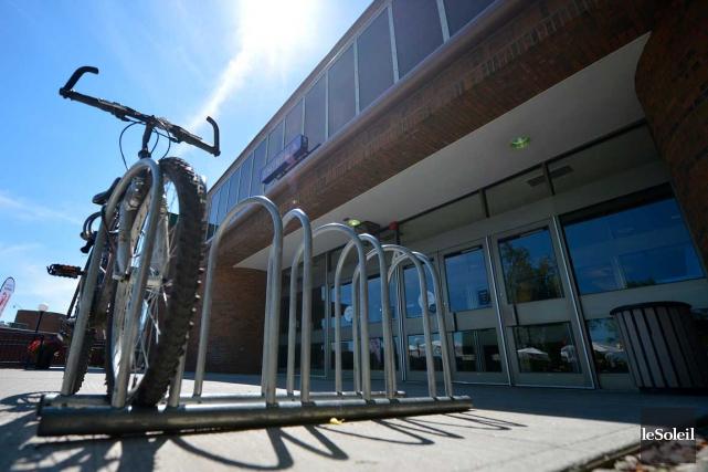 Même si la plupart sont accessibles par des pistes cyclables, les principaux... (Photo Le Soleil, Yan Doublet)