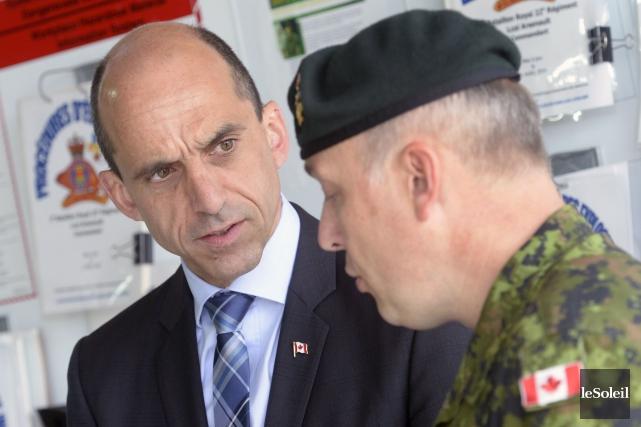 Steven Blaney, ministre de la Sécurité publique, insiste... (Le Soleil, Jean-Marie Villeneuve)
