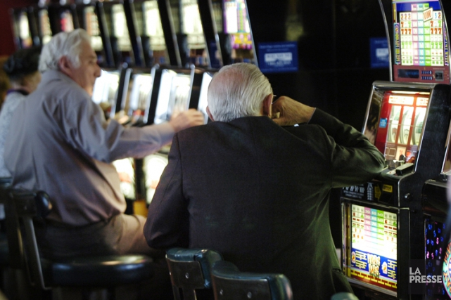 Le nombre de visiteurs accueillis par le casino... (PHOTO ARCHIVES LA PRESSE)
