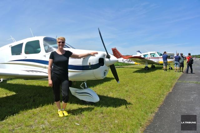 Édith Lévesque est l'une des rares pilotes féminines... (La Tribune, Christine Bureau)