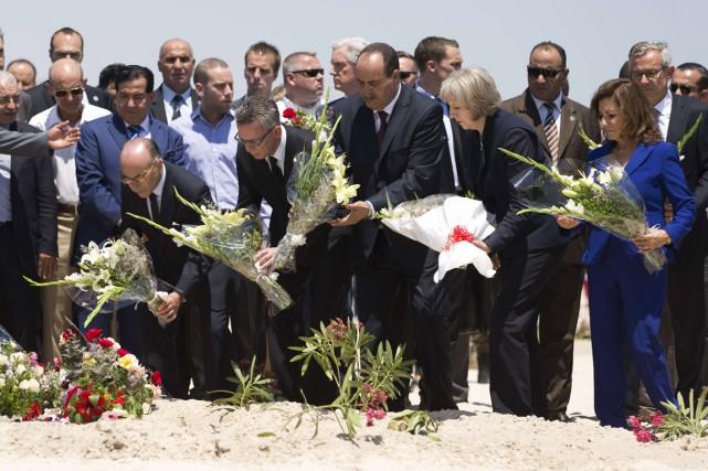 Le ministre tunisien de l'Intérieur Najem Gharsalli (au... (PHOTO KENZO TRIBOUILLARD, AFP)