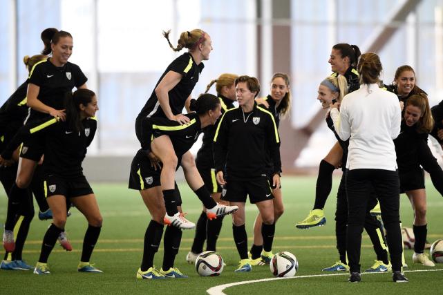 Les joueuses de l'équipe américaine à l'entraînement.... (Photo Franck Fife, AFP)