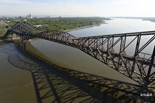 Le pont de Québec... (Photothèque Le Soleil, Patrice Laroche)
