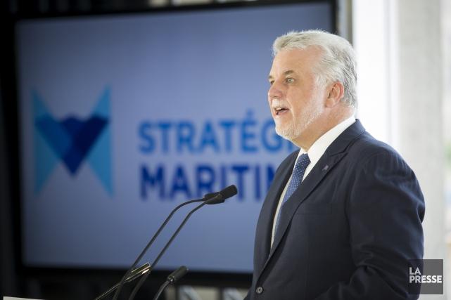 Le premier ministre Philippe Couillard demande au gouvernement... (Photo Olivier Pontbriand, archives La Presse)