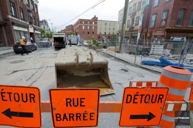 Les travaux de reconstruction de la rue Dufferin prendront fin avec au moins... (Imacom, Julien Chamberland)