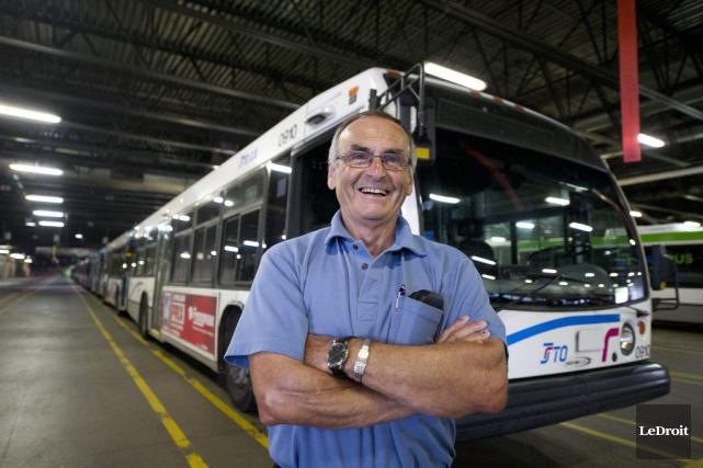 Richard Beausoleil a commencé à conduire un autobus... (Martin Roy, LeDroit)