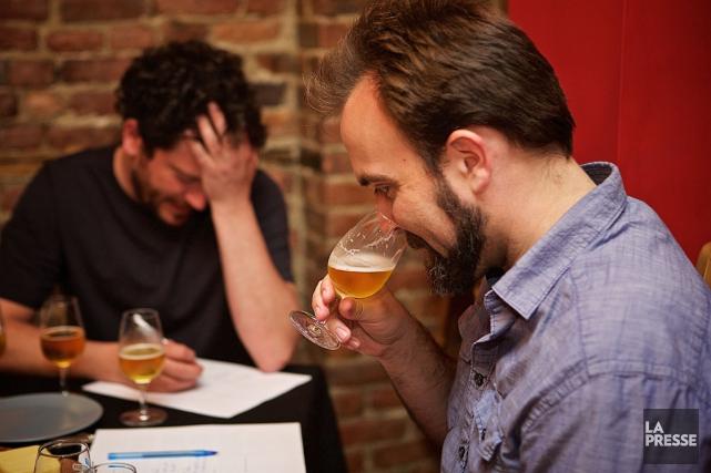 On dit souvent que les bières de microbrasseries se révèlent plus savoureuses... (PHOTO ROBERT SKINNER, LA PRESSE)