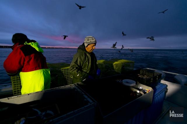 Au milieu de la nuit, l'équipage du capitaine... (PHOTO FRANÇOIS ROY, LA PRESSE)