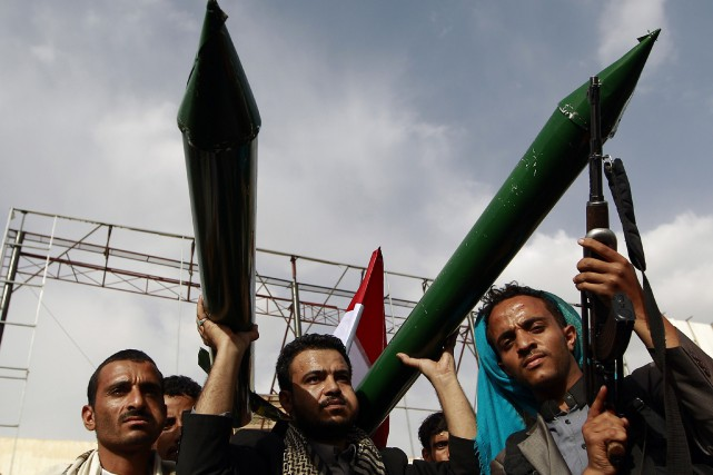 Les rebelles chiites Houthis (photo)et leurs adversaires sont... (PHOTO MOHAMMED HUWAIS, ARCHIVES AFP)