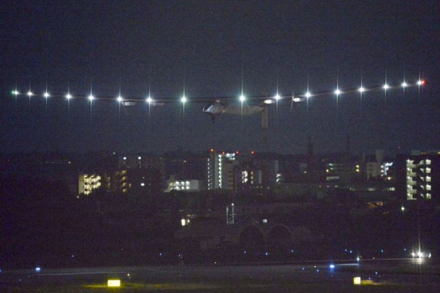 L'avion devait passer le front froid qui constitue... (Photo Kyodo, Reuters)
